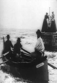 Barque sortant du port