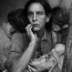 Dorothea Lange / Migrant Mother © Sandro Miller courtesy of Catherine Edelman Gallery Chicago