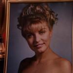 Il celebre fotoritratto di Laura Palmer reginetta del ballo della scuola.