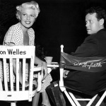 Rita Hayworth, con un'inedita chioma platinata, e Orson Welles sul set de La signora di Shangai, 1947.