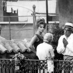 Discussione tra De Sica e Tina Pica durante le riprese di Ieri, oggi, domani (1963).