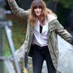 Anne Hathaway sul set canadese di Colossal