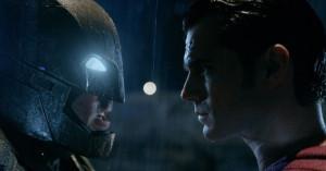 """Il nuovo trailer di """"Batman v Superman"""" rivela un paio di sorprese"""