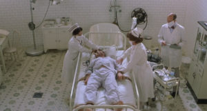 Il riconoscimento della malattia è uno shock sia per il protagonista che per lo spettatore