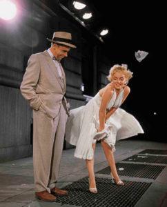 """Il set della celebre scena della metro di """"Quando la moglie è in vacanza"""" (1955)"""