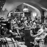 Il Rick's Cafè di Casablanca (1943)