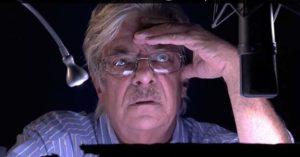 Giancarlo Giannini in sala di doppiaggio